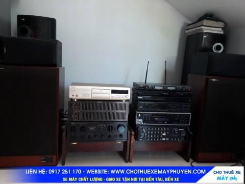 Không gian văn nghệ  Karaoke